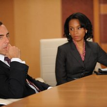 Titus Welliver e Anika Noni Rose in una scena dell'episodio Breaking Fast di The Good Wife