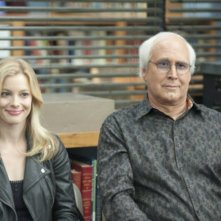 Gillian Jacobs e Chevy Chase nell'episodio Asian Population Studies di Community