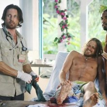 Martin Henderson, Thomas Blake Jr. e Jason George nell'episodio Saved by the Great White Hope di Off the Map