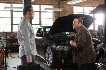 Vince Vaughn e Kevin James in una scena della commedia Il Dilemma
