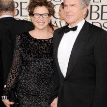 Annette Bening e Warren Beatty sul red carpet dei Golden Globes 2011