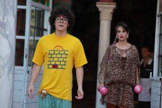 Davide Giordano e Lorenza Indovina nel film Qualunquemente