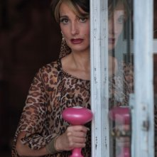 Lorenza Indovina in un'immagine del film Qualunquemente