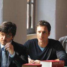 Ricky Memphis, Raoul Bova e Luca Bizzarri nella scena degli esami nel film Immaturi