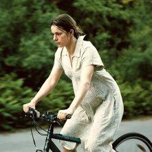 Annika Kuhl nei panni di una madre nel film Blessed Events