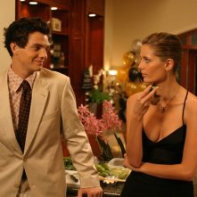 Taylor Handley e Mischa Barton in una scena dell'episodio Conto alla rovescia di The O.C.