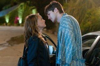 Ashton Kutcher e Natalie Portman, una strana coppia in No Strings Attached