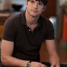 Ashton Kutcher in una scena della commedia No Strings Attached