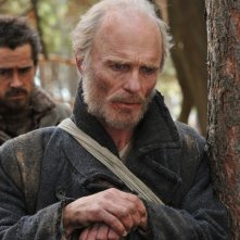 Ed Harris e Colin Farrell in una scena di The Way Back