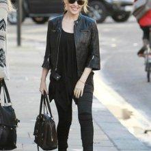Kylie Minogue mentre lascia la casa di Londra