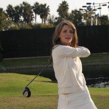 Marissa (Mischa Barton) dopo un lancio nell'episodio Sul campo da golf di The O.C.