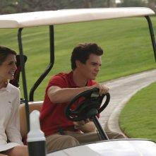 Marissa (Mischa Barton) in macchina con Oliver (Taylor Handley) nella puntata Sul campo da golf di The O.C.