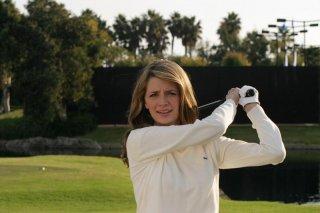 Mischa Barton sul campo da golf dell'episodio Sul campo da golf di The O.C.