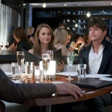 Natalie Portman con Ashton Kutcher nella commedia No Strings Attached