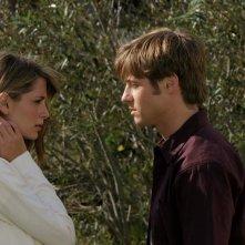Ryan (Benjamin McKenzie) discute con Marissa (Mischa Barton) nell'episodio Sul campo da golf di The O.C.