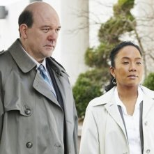 John Carroll Lynch e Sonja Sohn nel pilot della serie Body of Proof