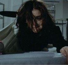 Margot Kidder in una scena del film di Brian De Palma Le due sorelle