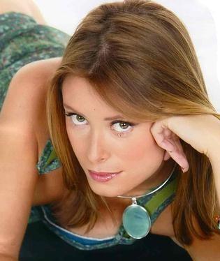 Un bel ritratto dell'attrice italo-svedese Euridice Axen
