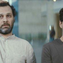 Fatih Al, Ilker Aksum in una scena del film Our Grand Despair (Bizim Büyük Çaresizliğimiz)
