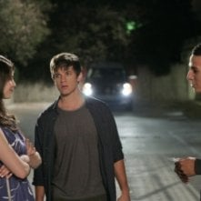 Amelia Rose Blaire, Matt Lanter e Khleo Thomas nell'episodio I See London, I See France... di 90210