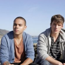 Evan Ross e Matt Lanter in una scena dell'episodio Liars di 90210