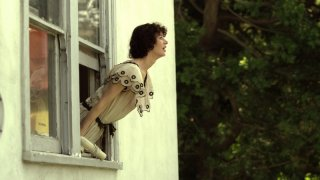 Miranda July in una sequenza di The Future
