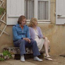 Philippe Katerine con Aurore Clément nel film Je suis un no man's land