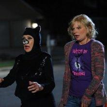 Cloris Leachman e Martha Plimpton nell'episodio Happy Halloween di Raising Hope