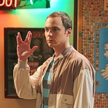 Jim Parsons nell'episodio The Alien Parasite Hypothesis di The Big Bang Theory