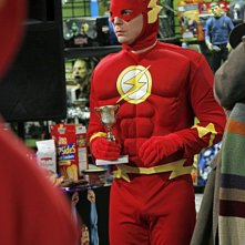 Jim Parsons nell'episodio The Justice League Recombination di The Big Bang Theory