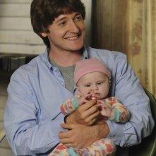 Lucas Neff nell'episodio Family Secrets di Raising Hope