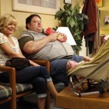 Martha Plimpton e Brad Grunberg in una scena dell'episodio The Sniffles di Raising Hope
