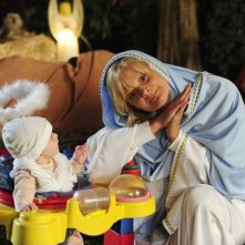 Martha Plimpton in una scena dell'episodio Toy Story di Raising Hope