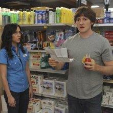 Shannon Woodward e Lucas Neff nell'episodio Family Secrets di Raising Hope