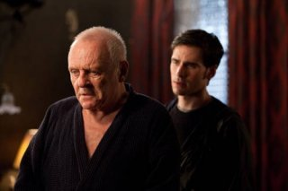 Anthony Hopkins e Colin O'Donoghue nel film The Rite