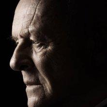 Un intenso primo piano di Anthony Hopkins dal film The Rite