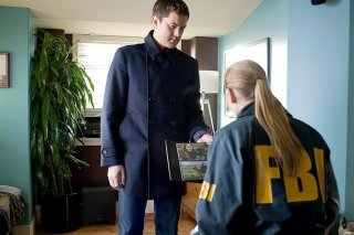 Joshua Jackson ed Anna Torv nell'episodio Concentrate and Ask Again di Fringe