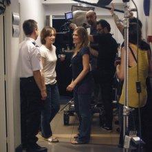 Kristin Scott Thomas e la regista Lola Doillon durante le riprese del film Contre toi