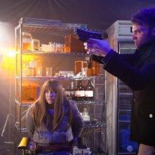 Seth Gabel ed Anna Torv nell'episodio Immortality di Fringe