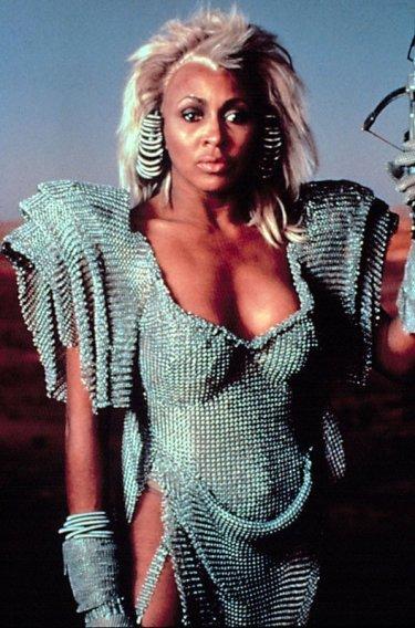Tina Turner in Mad Max: oltre la sfera del tuono
