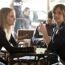 Leighton Meester e Minka Kelly in una scena del film The Roommate