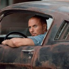Luke Goss in una scena del film Death Race 2