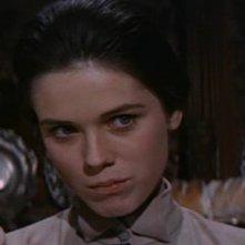 Mary Maude in una scena del film Gli orrori del liceo femminile