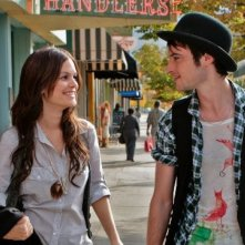 Rachel Bilson e Tom Sturridge in una immagine del film Waiting for Forever