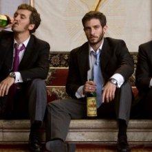 Raúl Arévalo, Quim Gutiérrez e Adrián Lastra, protagonisti di Primos