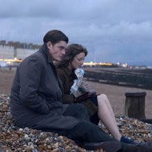 Sam Riley e Andrea Riseborough in una scena del film Brighton Rock