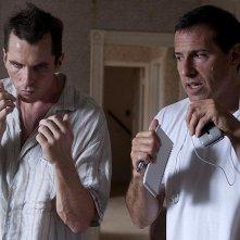 Il regista David O. Russell sul set con Christian Bale
