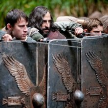 Channing Tatum, Mark Strong e Jamie Bell in una scena del film The Eagle of the Ninth
