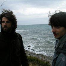 Edoardo Natoli e Luigi Pisani ispezionano i luoghi in cui girare il film Noi credevamo (spiaggia di Acciaroli)