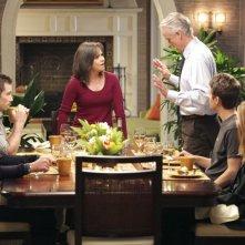 I protagonisti di Brothers & Sisters a cena insieme nell'episodio Scandalized